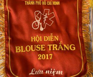 Giải thưởng blouse trắng