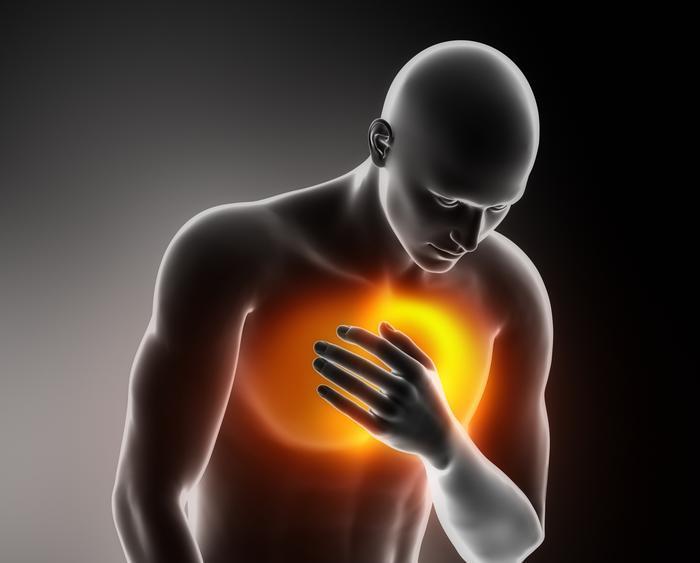 Đau tức ngực giữa có nguy hiểm đau tức ngực giữa