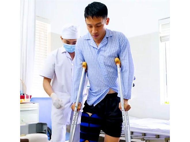 Hùng Dũng gãy xương chân phải